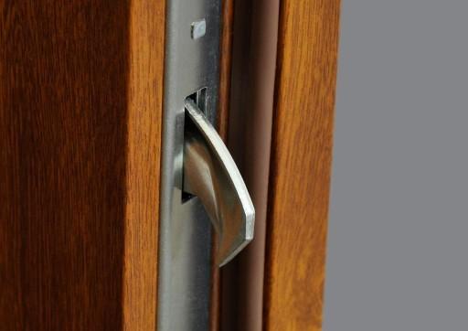 Drzwi metalowe i drzwi stalowe dostępne od ręki w Novobudowa